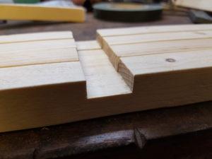 Vertiefungen ins Holz gefräst